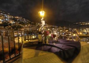 terrazza di notte foto hdr
