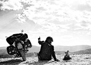 Claudio Giovenzana La motoguzzi e il toporso, viaggio in moto per lil mondo