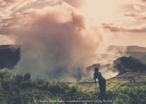 Fotografando Il vulcano Masaya in Nicaragua e un fotografo